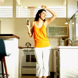 woman-dancing-in-the-kitchen-270-thumb-270x270